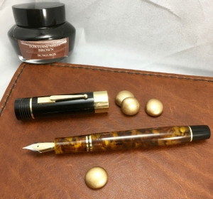 Chruchillized Epic in Illuminated Amber Tortoise and Black Ebonite - Medium