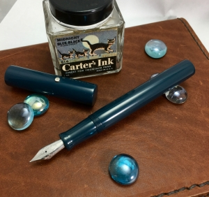 Aeterna in Dark Navy Ebonite - Medium