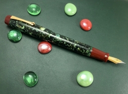 Wordsmith in CS Classic Green & Urushi Red Acrylic - Large