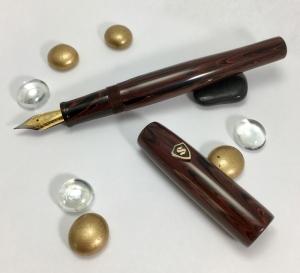 Scribe in SEM Ponceau Ebonite - Medium