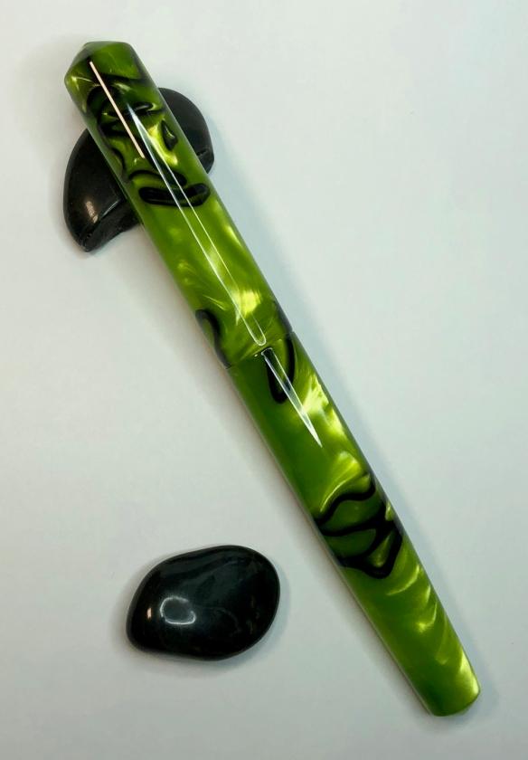 Idyll in Toxic Green & Black Kirinite - Small