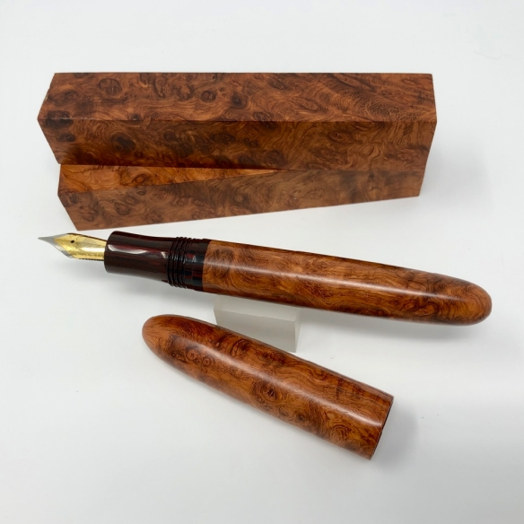 Sonneteer in Amboyna Burl Wood and NYH Cumberland Ebonite – Oversized